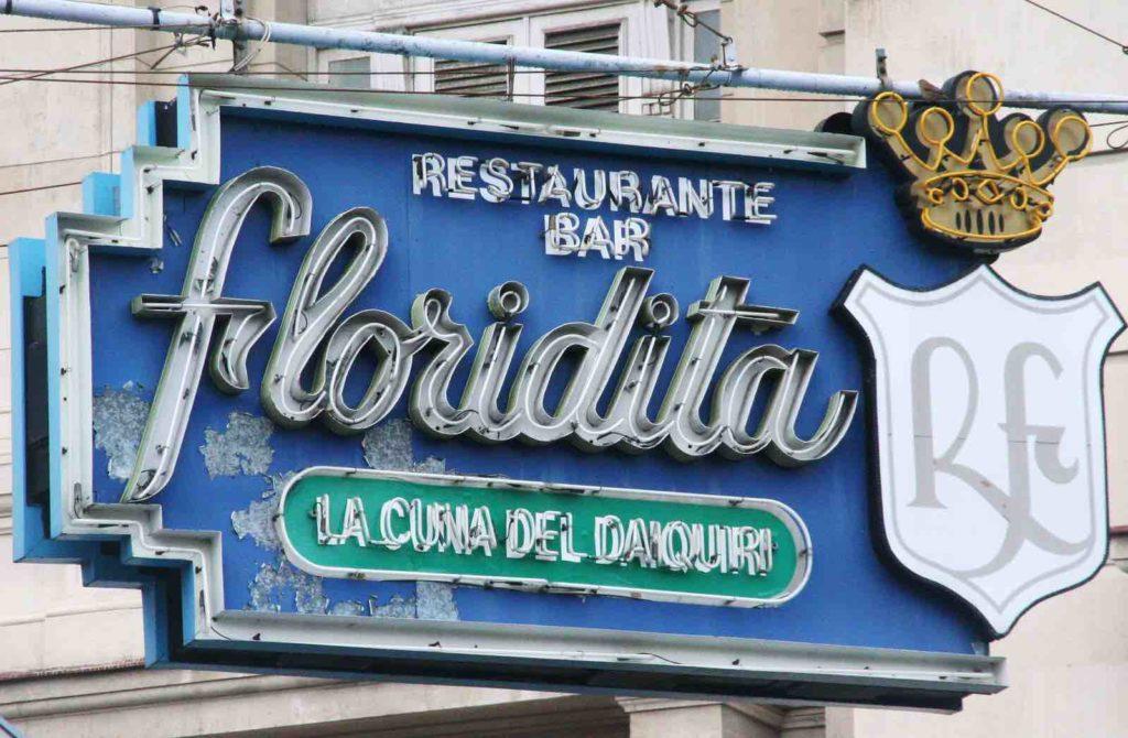 L'enseigne de la Floridita à Cuba, le berceau du Daiquiri