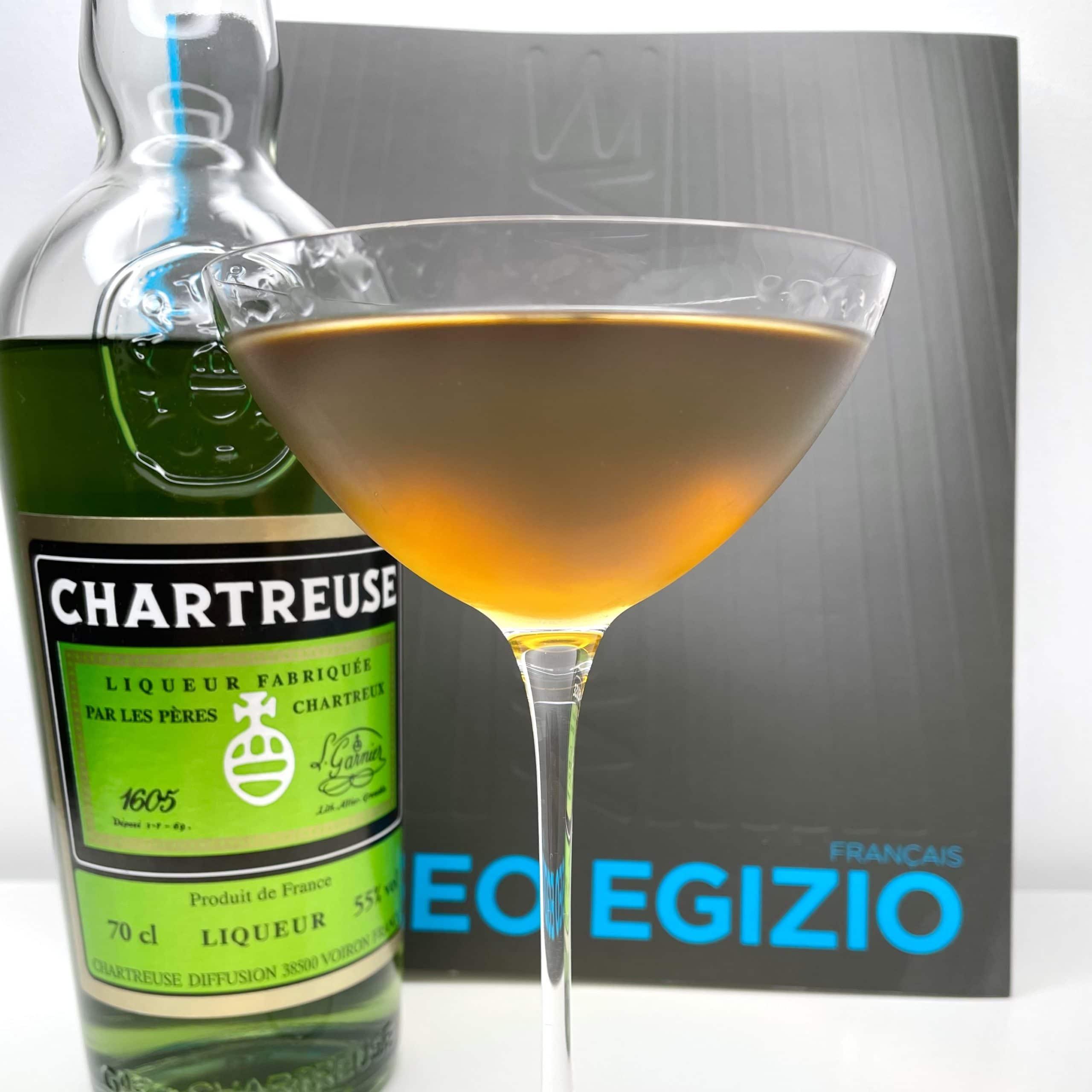 Le Bijou, un cocktail au gin, à la Chartreuse et au vermouth doux